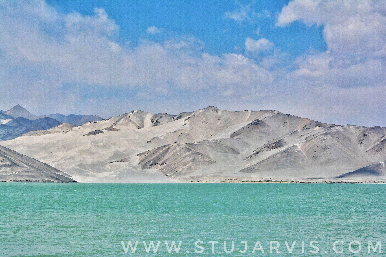 Lake Bulungkol, Karakoram Highway, China. www.stujarvis.com